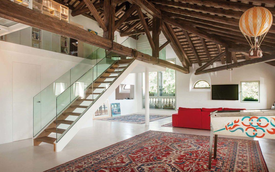 Transformer les combles d'un immeuble en un loft spacieux