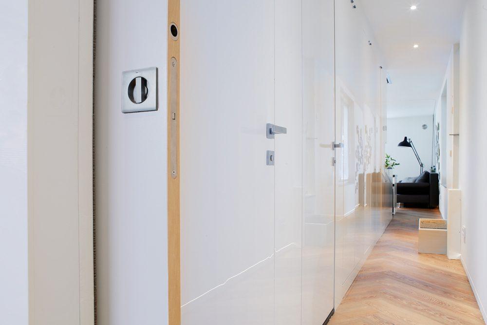 Syntesis® Battant le long du couloir
